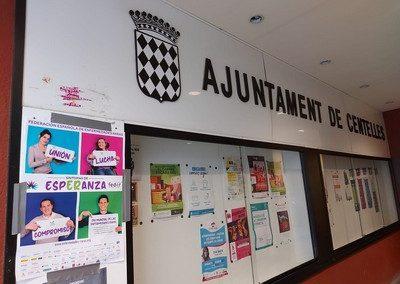 Cartel DMER en Ajuntament Centelles